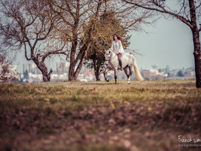 lea-vice-versa-etrier-charentais-séance-cavalier-franck-simon-grain-de-pixel-photographe-équestre-