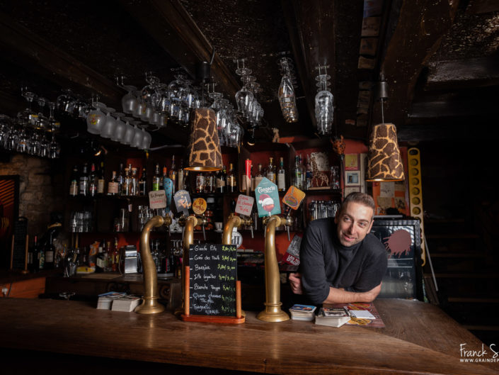gael-girafe café angoulême - grain de pixel - photographe professionnel - charente - franck simon