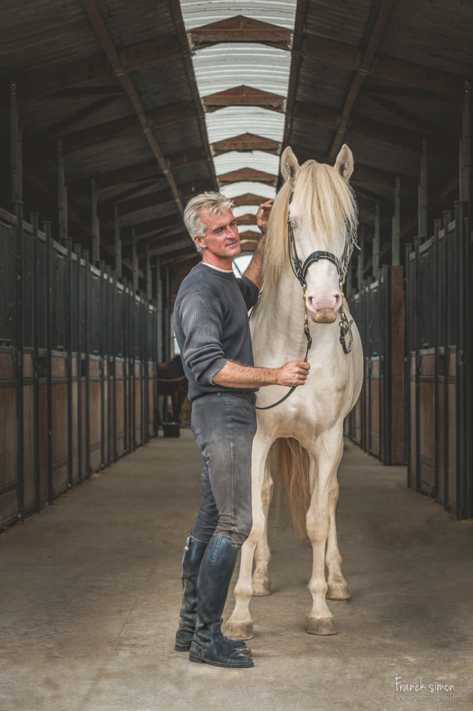Fabrice-dorianeva-elevage-chevaux-creme-ullivane-grain-de-pixel-photographe-equestre-et-animalier