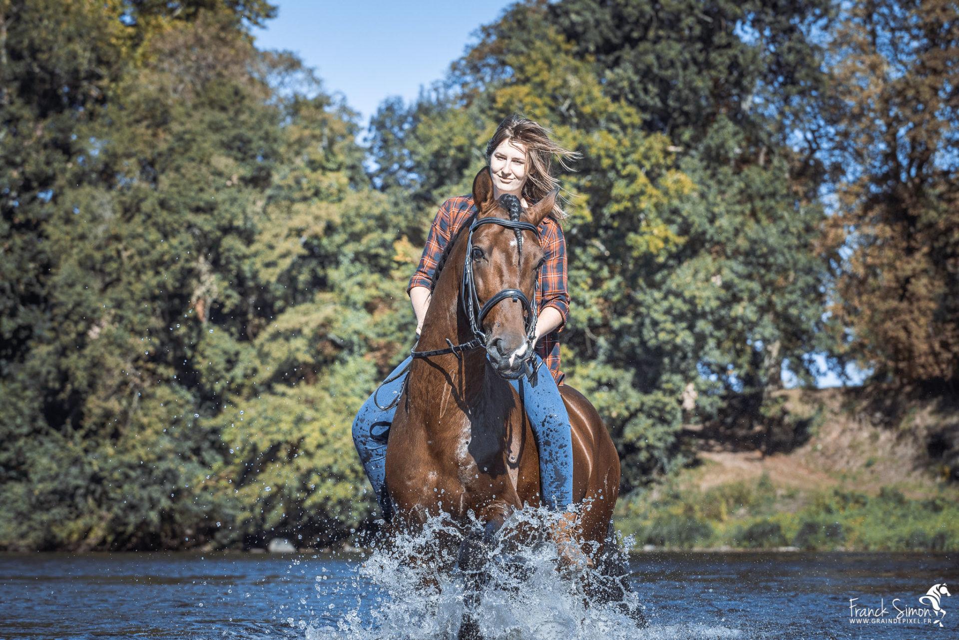 Camille et Jabu le cheval espagnol