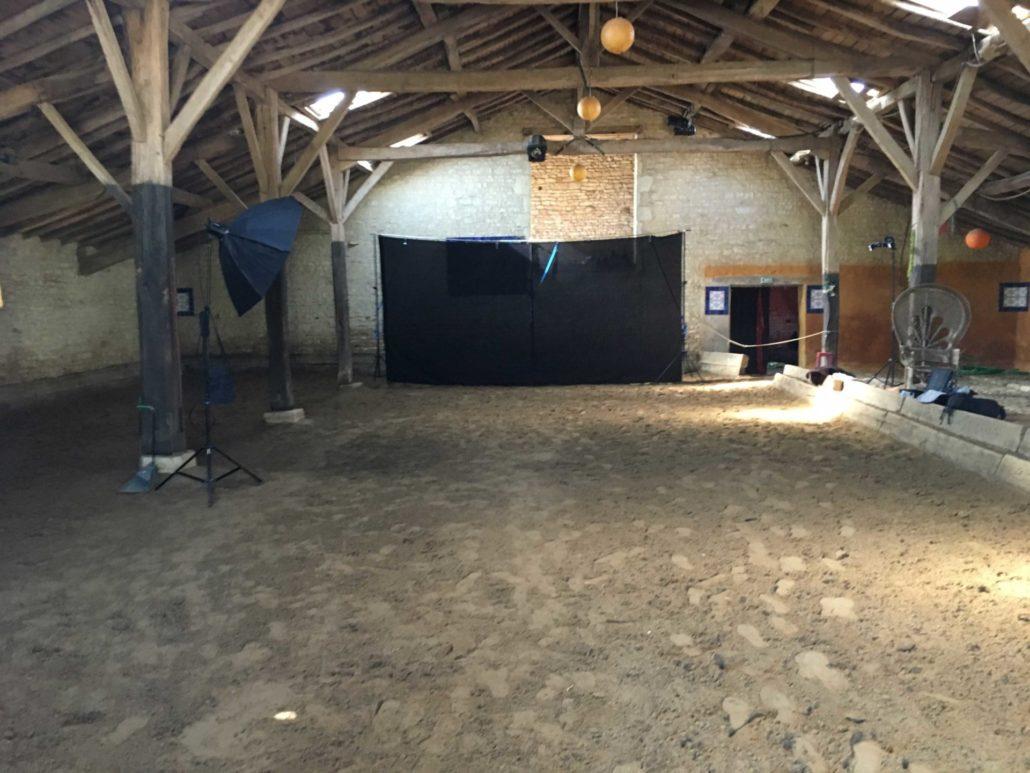photographie-studio-construction-fond-studio-équestre-franck-simon-grain-de-pixel-photographe-equestre