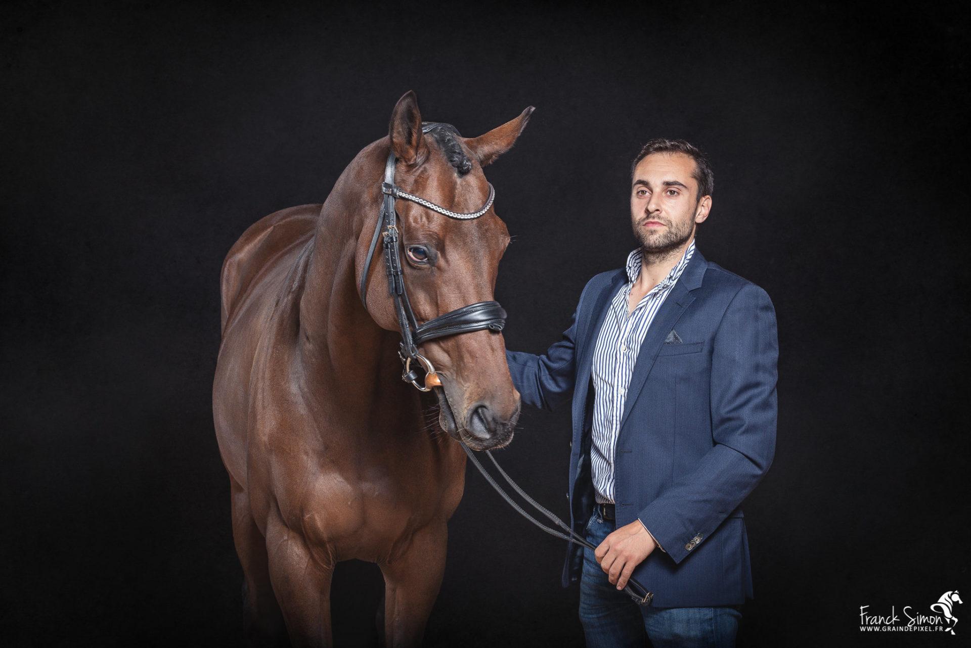 studio-equestre-gaeatn-chrysos-grain de pixel- studio equestre