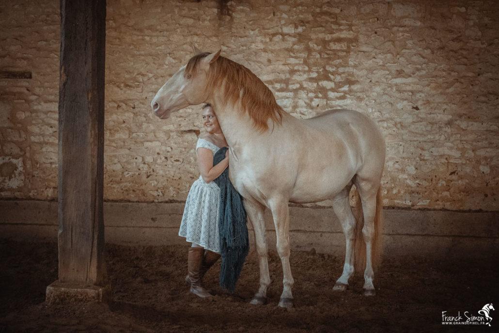 salon-de-thé-chez-les-pegases-cheval-bavard-franck-simon-photographe-equestre-charente