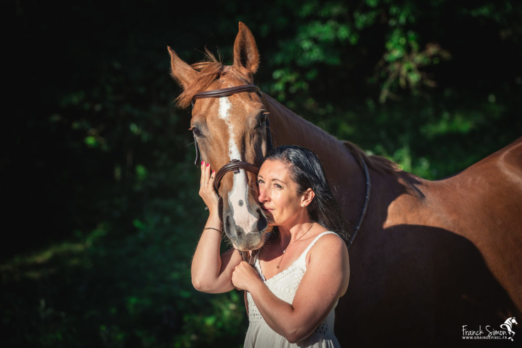 christelle-seance-cavalier-ecurie-des-flots-jauldes-franck-simon-grain-de-pixel-photographe-equestre