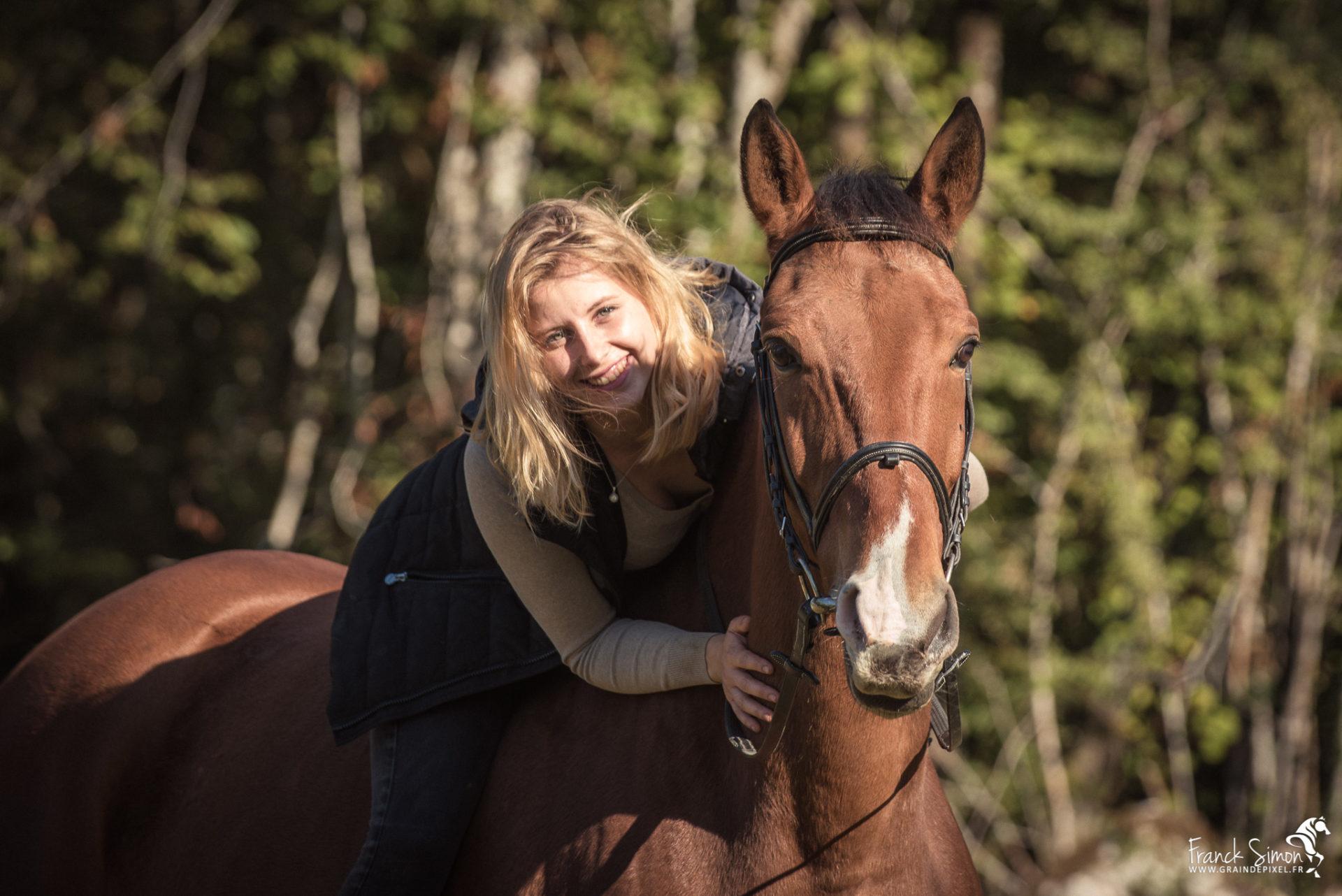 Elise et ses chevaux, ferme équestre de flamenac