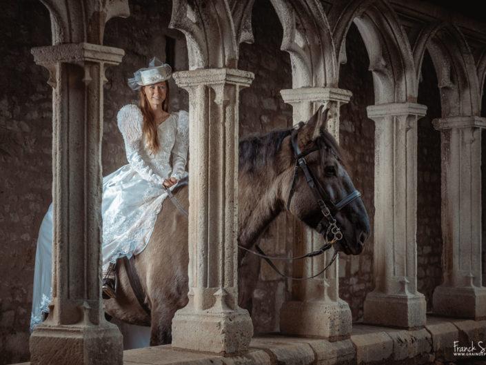 un-jour-au-cloitre-trait-poitevin-la-force-tranquille-franck-simon-grain-de-pixel-photographe-equestre-animalier-40