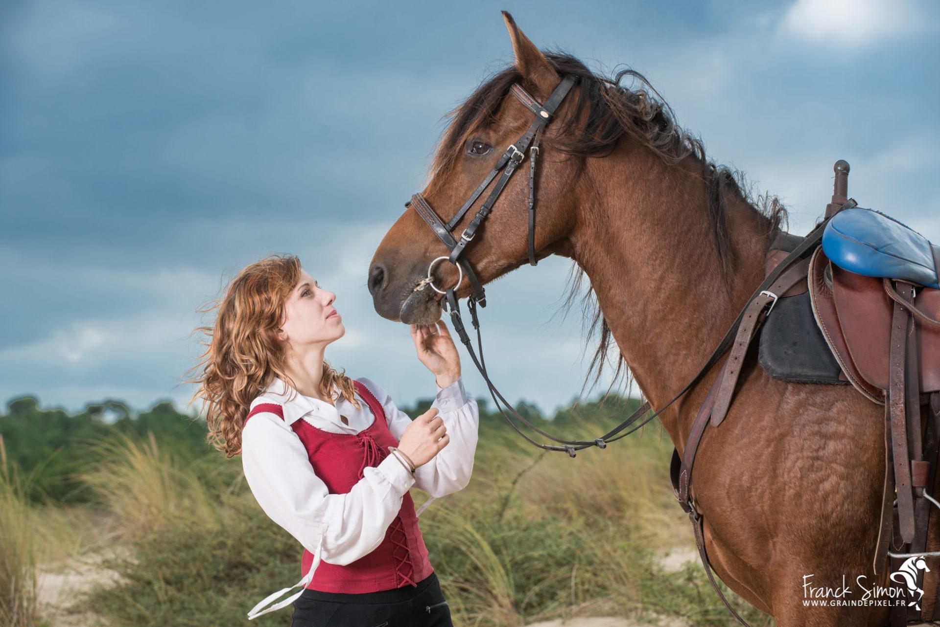 Séance photo équine, utilisation du flash avec le cheval en extérieur