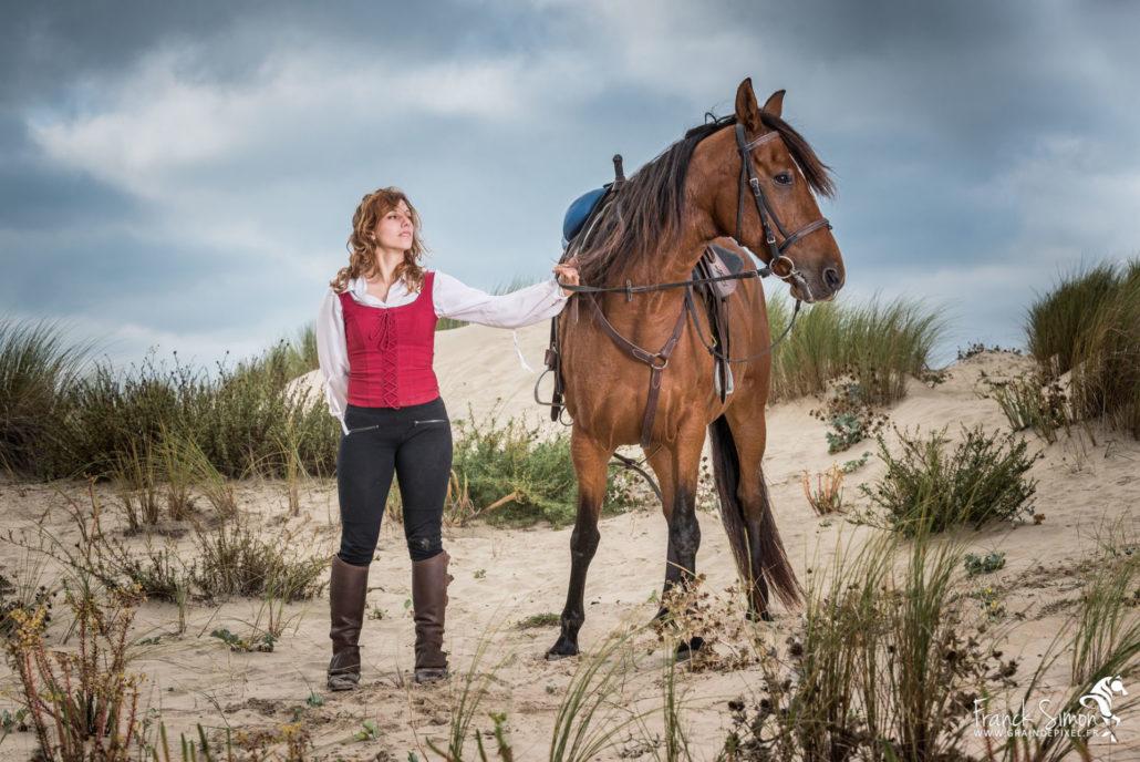 voltige-cosaque-maeva-crea-voltige-grain-de-pixel-photographe-equestre-et-animalier