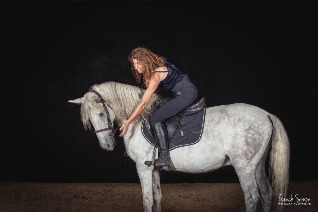 seance-studio-centre-equestre-les-eaux-claires-franck-simon-grain-de pixel - photographe equestre-8-Modifier